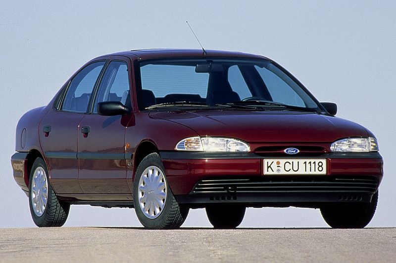 Ford Mondeo 1993 matmenys