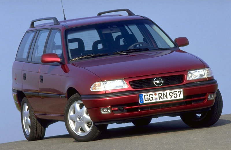 Opel Astra Stationwagon 1994 matmenys